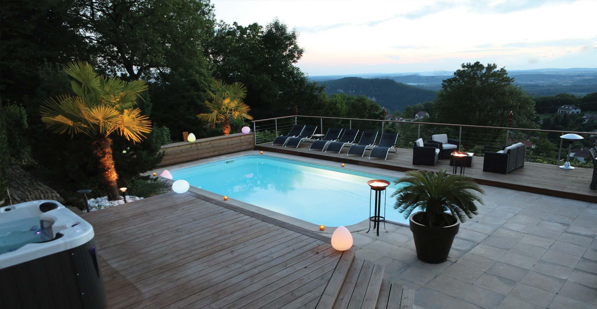piscine et jacuzzi de la Maison d'hôtes Le Repère des anges